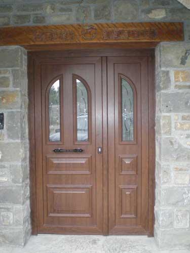 Cerramientos de aluminio y pvc puertas aluminio puertas - Puerta exterior pvc ...